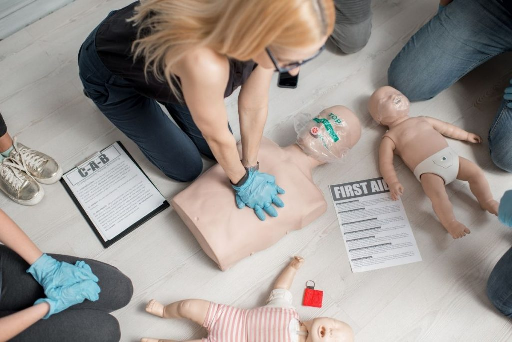 First aid training CPR procedure